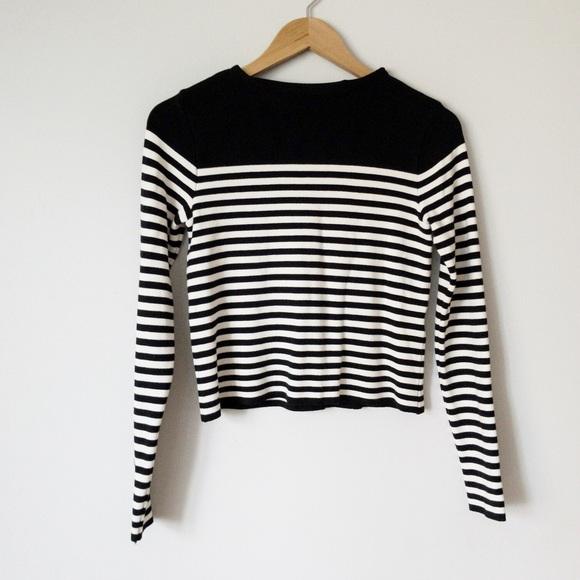 ea9af1f2 Zara women's striped knit cropped sweater black. M_5b5ca8439264af3d62336571